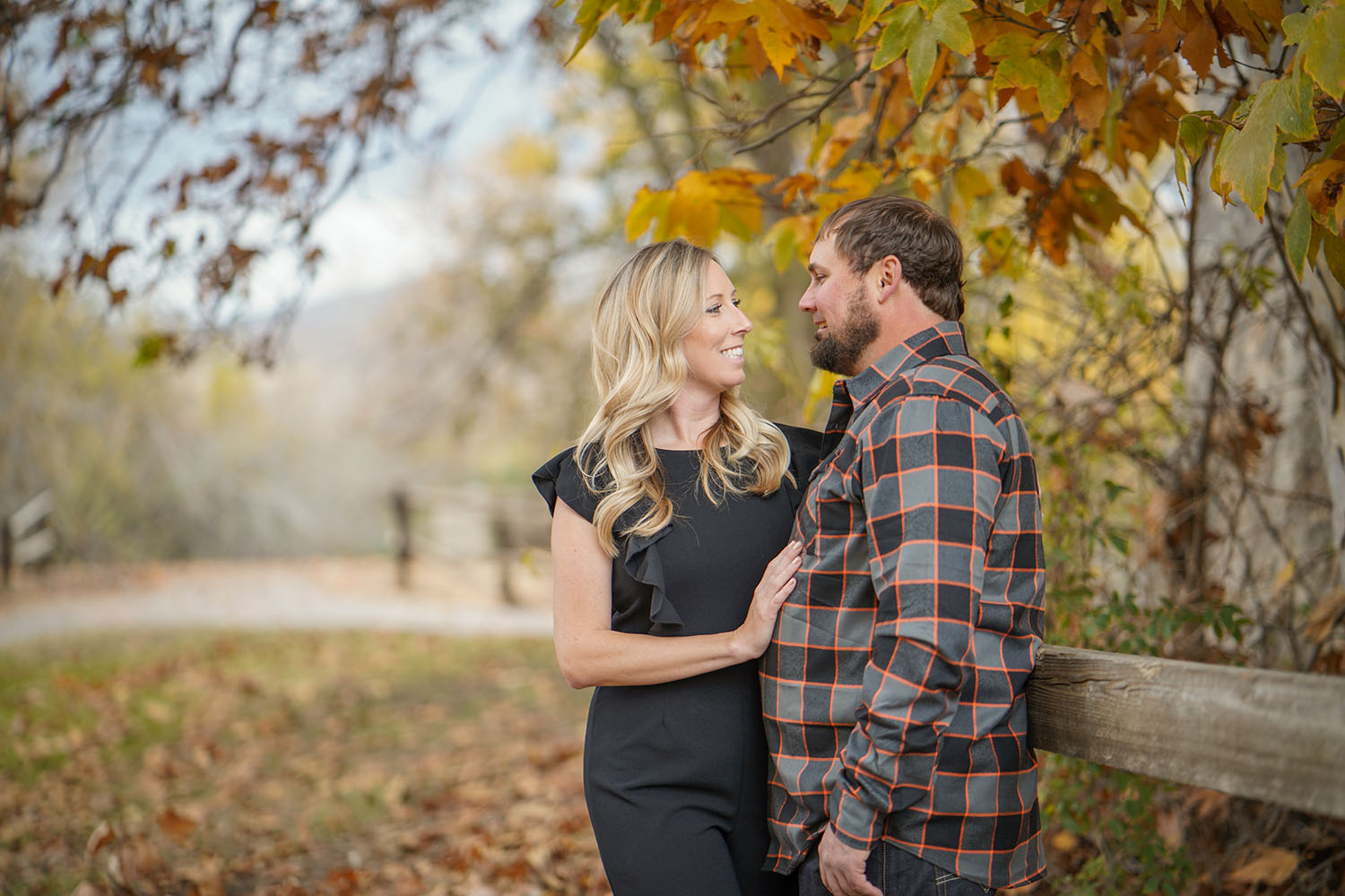 A Bakersfield autumn scene is a great place for some top-notch engagement photography.